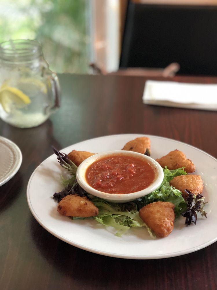 Chris & Ginas Café: 1831 Route 739, Dingmans Ferry, PA
