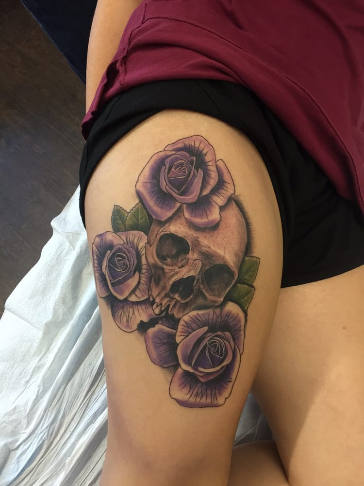 Black gold tattoos and piercings 12 photos piercing for Tattoos in tulsa