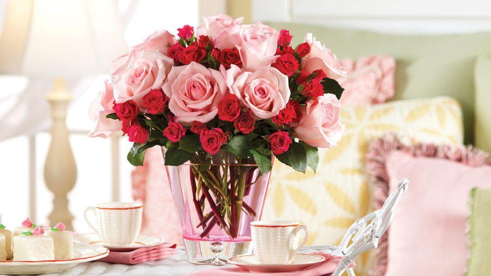 Larson's Floral & Gifts: 112 E Main St, Manton, MI