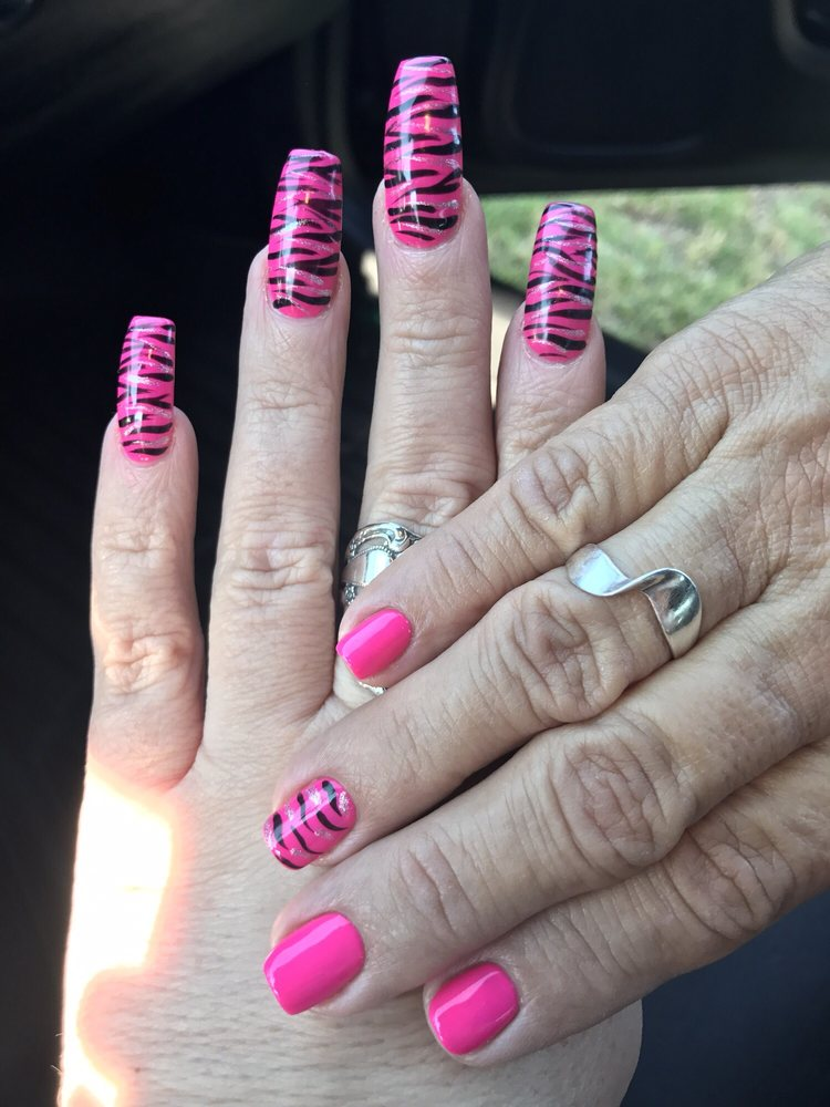Mom & Daughter matching nails! Awesome job - Yelp