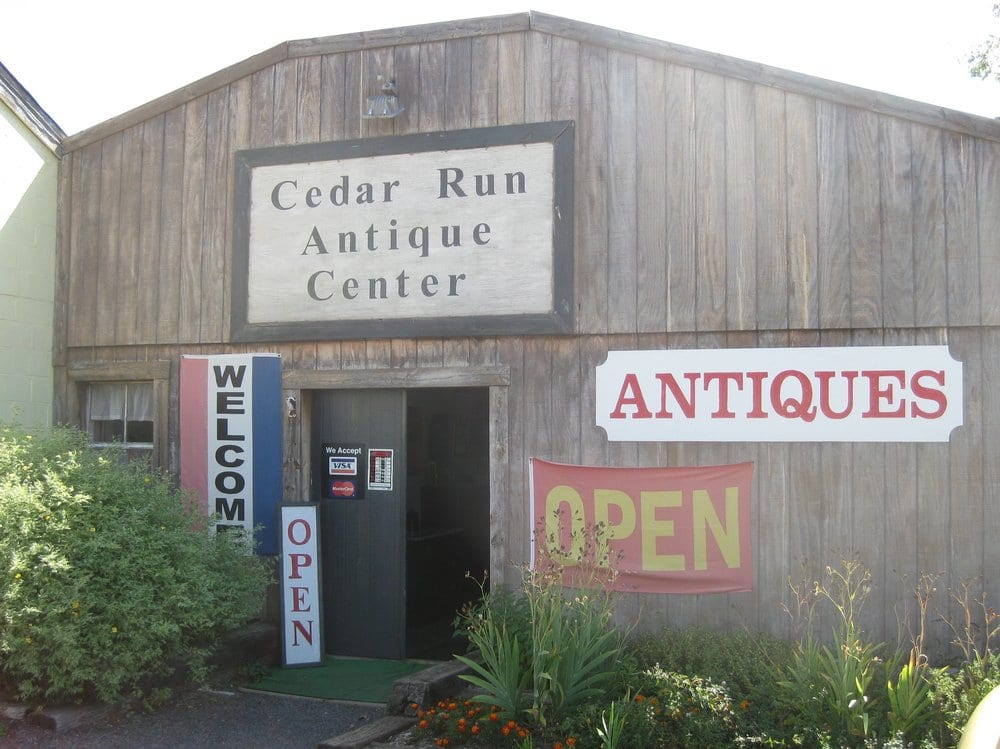 Cedar Run Antique Center: 9219 Elk Run Rd, Catlett, VA