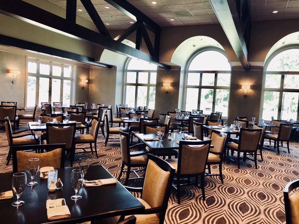 Biltmore Country Club: 160 Biltmore Dr, N Barrington, IL