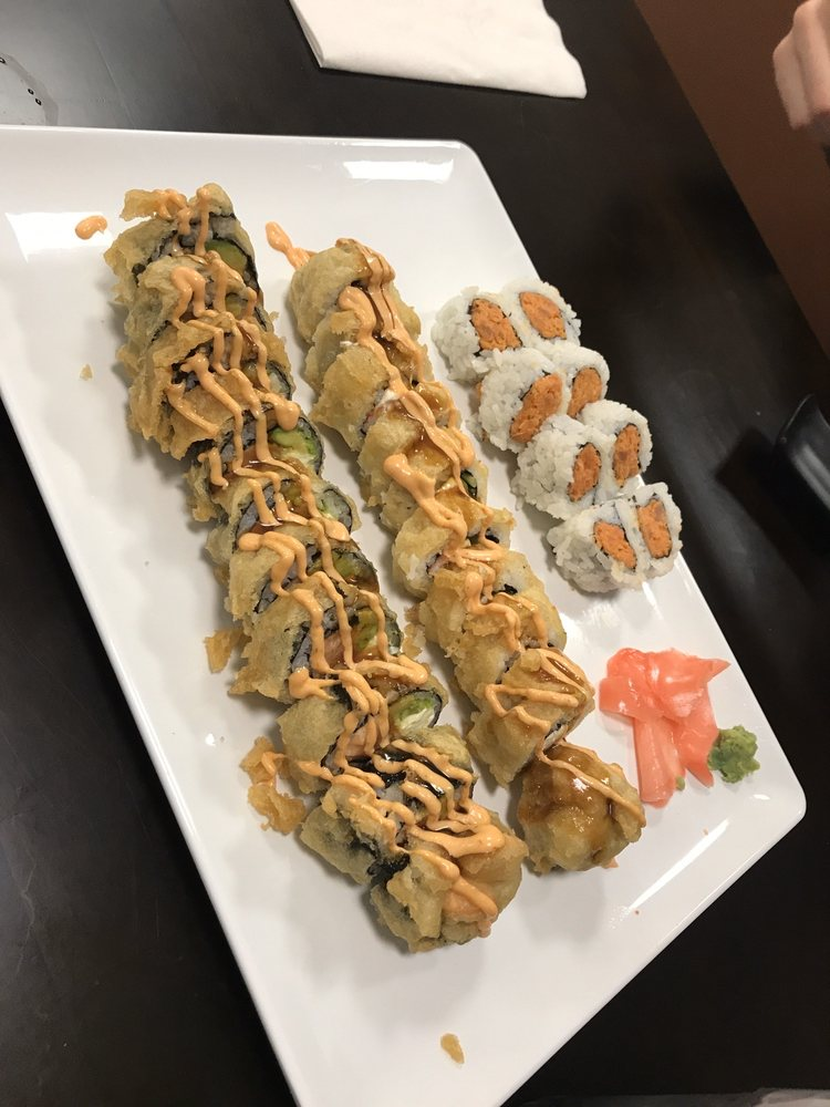 Momoya - Ramen and Sushi: 2100 S 9th St, Salina, KS