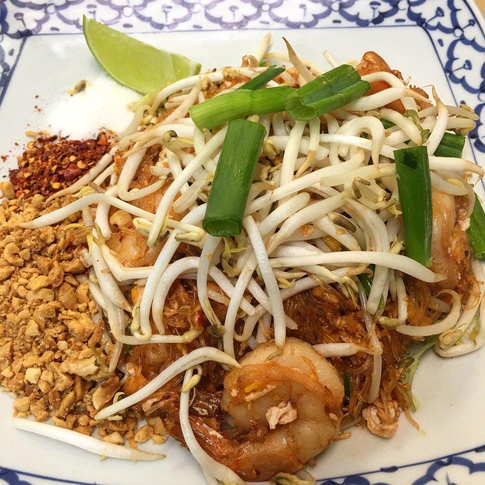 Thai Thara: 1000 Chester Blvd, Richmond, IN