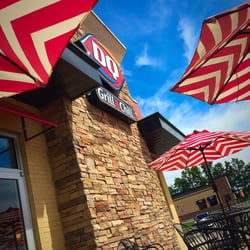 Photo Of Dairy Queen Wentzville Mo United States Beautiful Patio For Ice