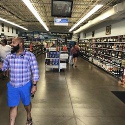 Foto de Walmart Supercenter - Orlando, FL, Estados Unidos. Front entrance  again. 649708e5e3