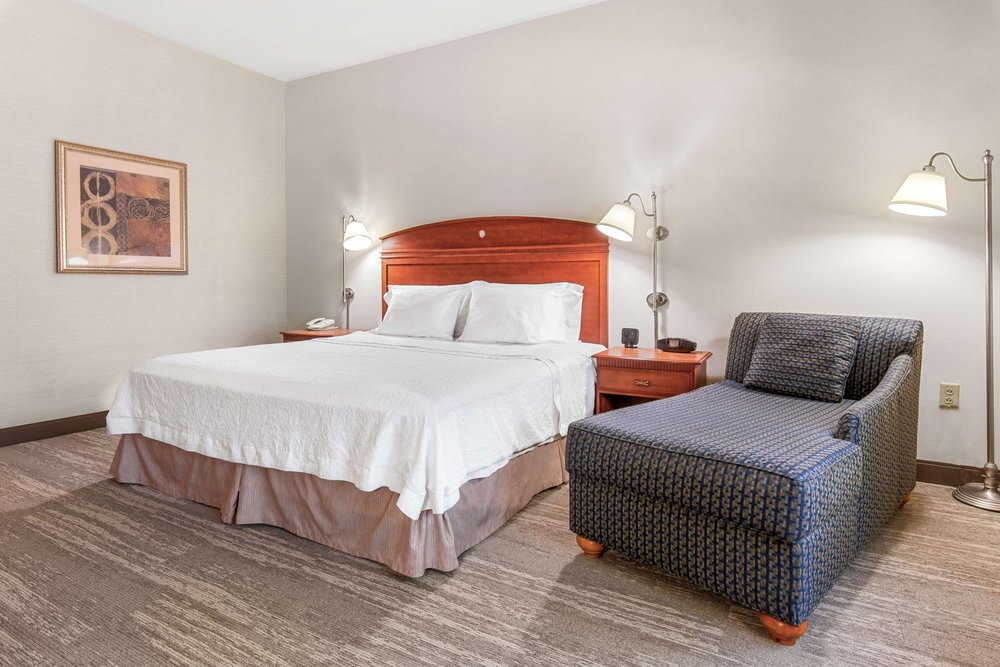 Hampton Inn & Suites North Conway: 1788 White Mountain Hwy, North Conway, NH