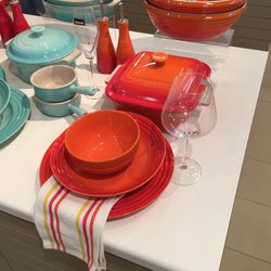 Photo of Le Creuset - Woodburn OR United States ... & Le Creuset - 14 Photos - Outlet Stores - 1001 North Arney Rd ...