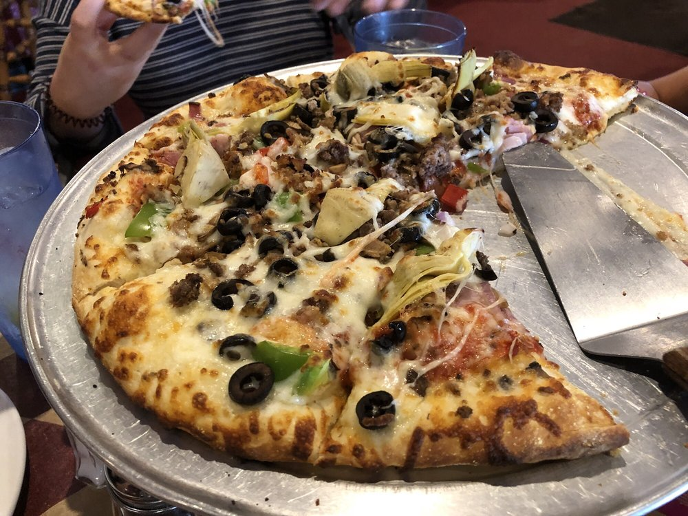 San Luis Valley Pizza Company: 1210 8th St, Alamosa, CO