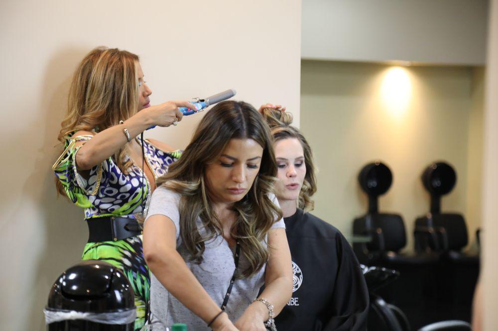 Ana's Hair Salon: 5860 N Mesa St, El Paso, TX