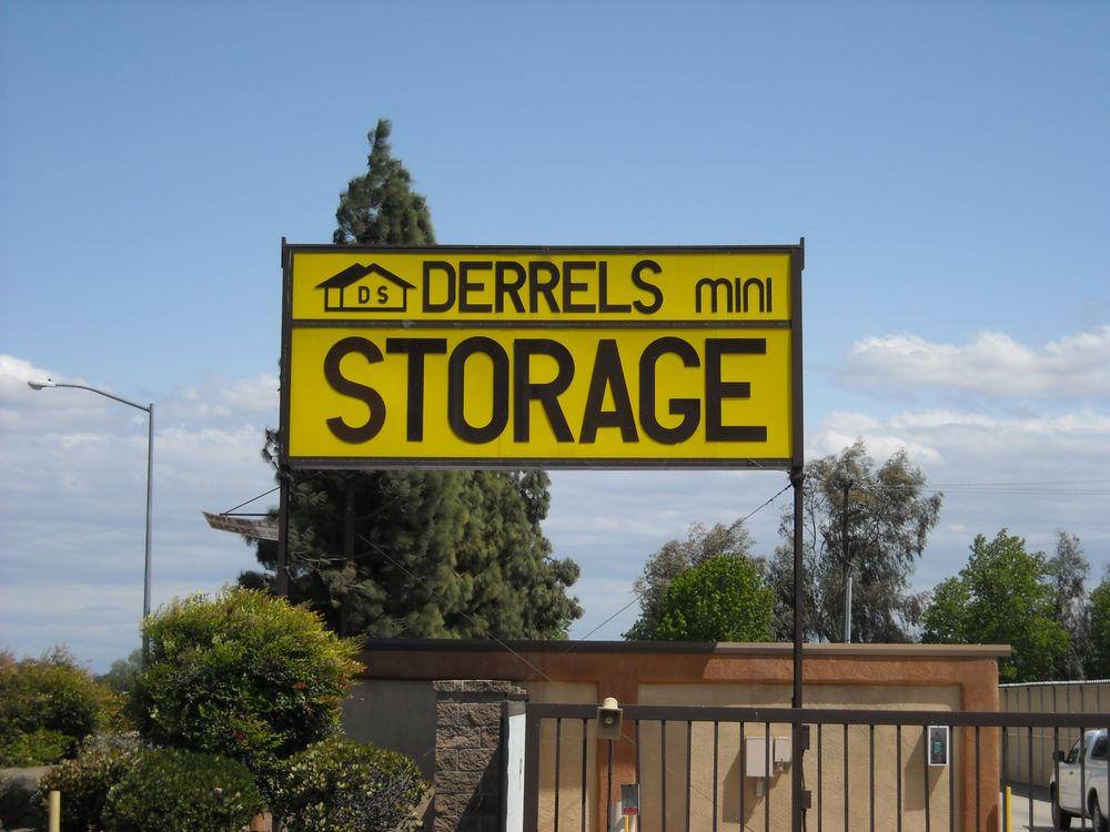 Derrel S Mini Storage Self Storage 4660 E Dakota Ave
