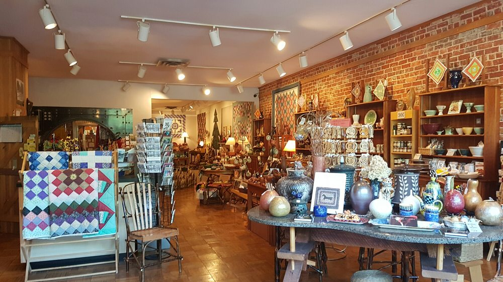 Appalachian Fireside Gallery: 126 Main St, Berea, KY