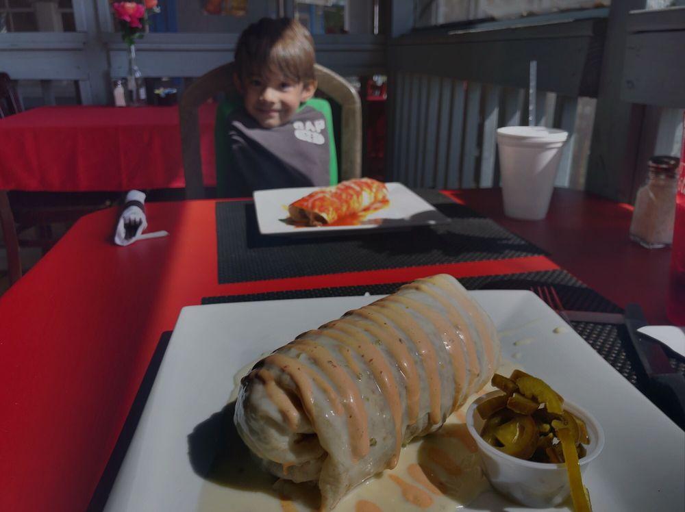 Blue Bay Mexican Grill: 110 Screven St, Darien, GA
