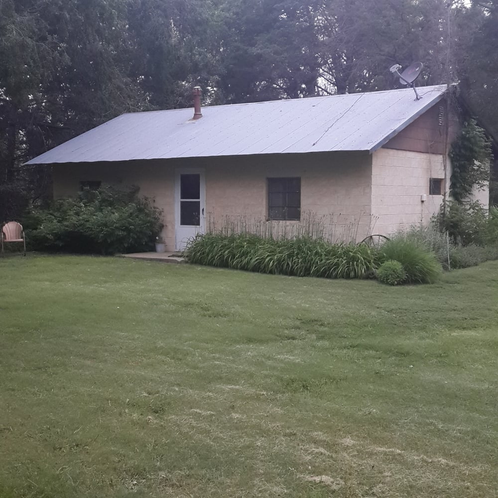 Butterfield Trail Bunkhouse: 23033 T Rd, WaKeeney, KS