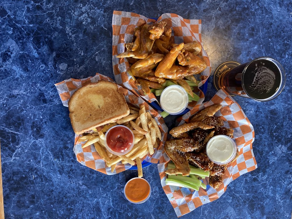 The Well Sports Tavern & Grill: 35 Coon Rapids Blvd NW, Coon Rapids, MN