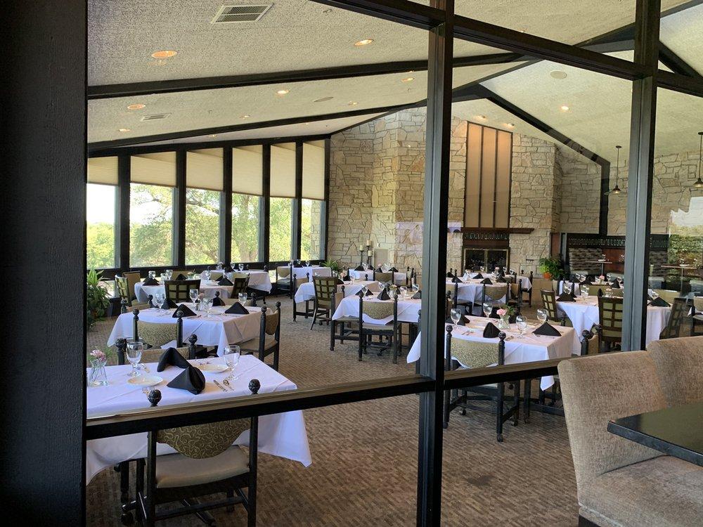 Salina Country Club: 2101 E Country Club Rd, Salina, KS