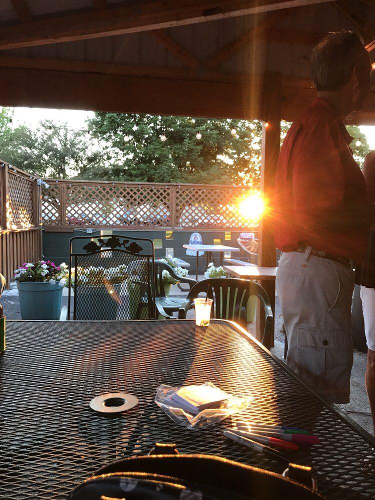 Bahan's Tavern: 214 N East St, Jacksonville, IL