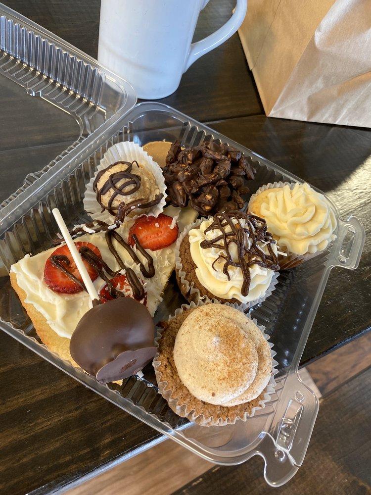 Delicious Delights Cafe: 613 US Hwy 59, Queen City, TX