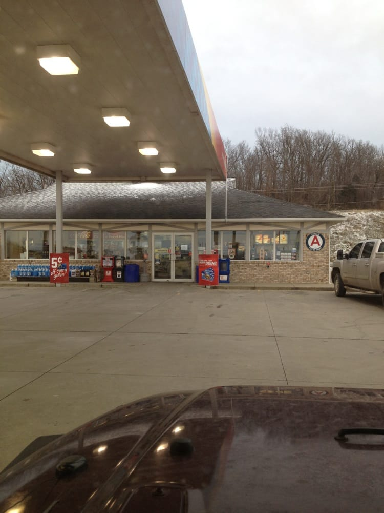 Circle A Food Mart: 460 S Main St, Ferdinand, IN