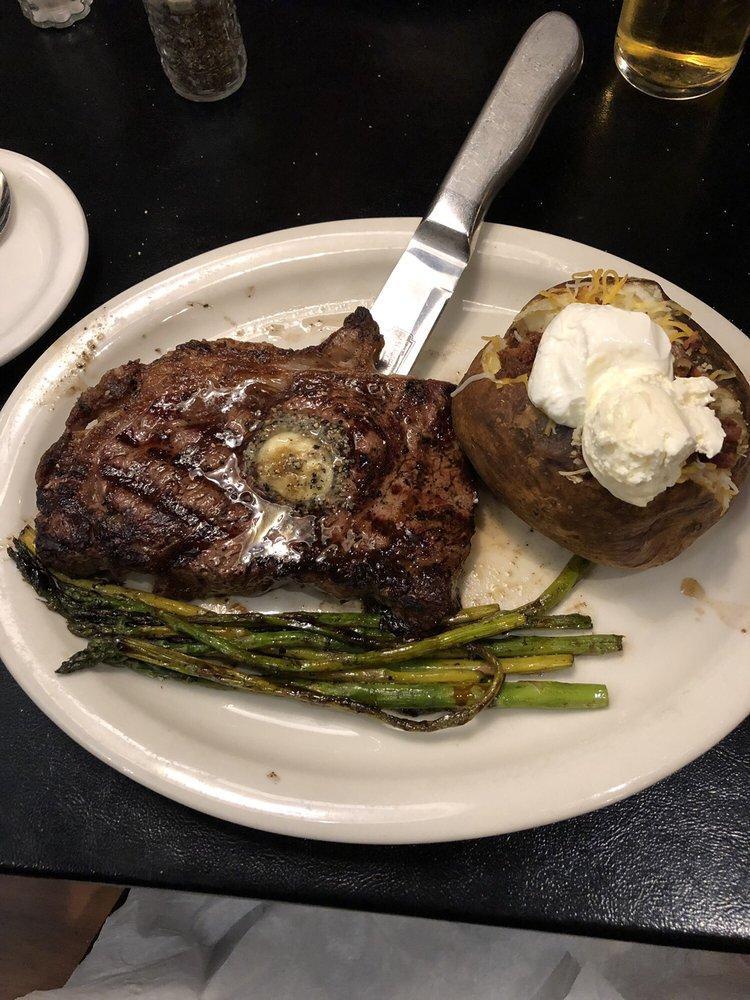 Hoof & Horn Steak House: 429 Illinois Ave, St Joseph, MO