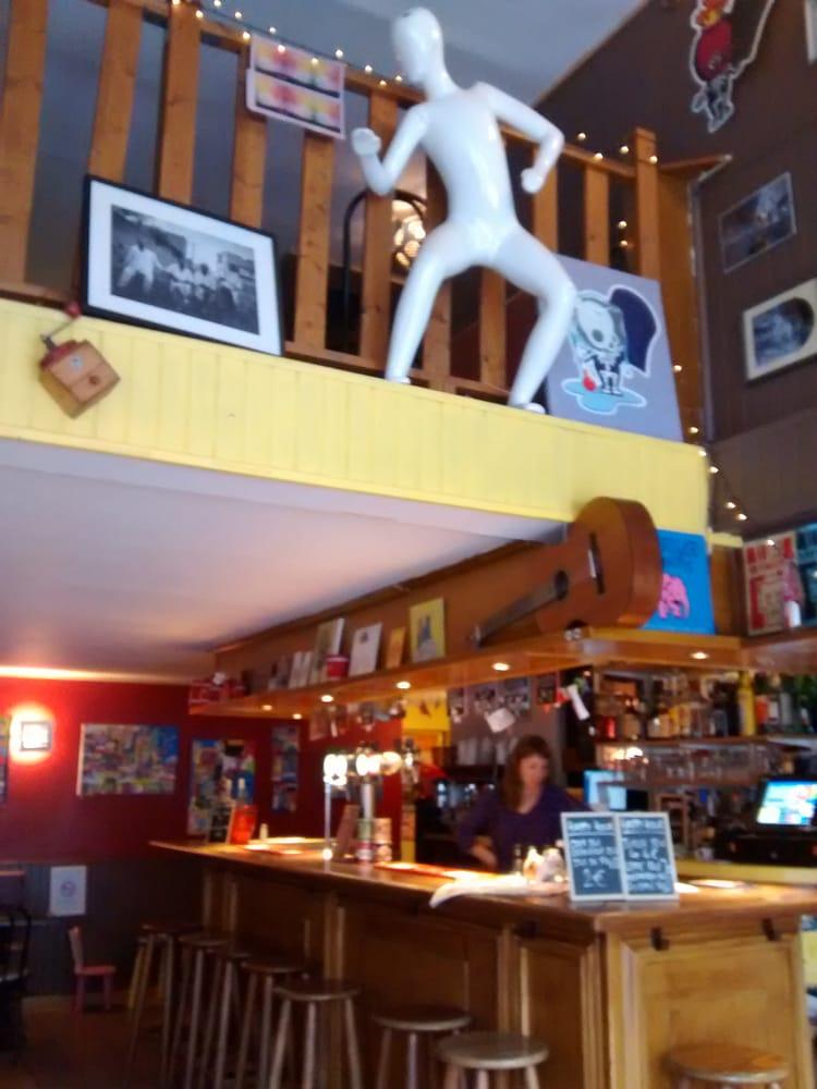 les zazous bars 147 rue victor hugo havre le seine maritime france phone number yelp - L Etable Le Havre