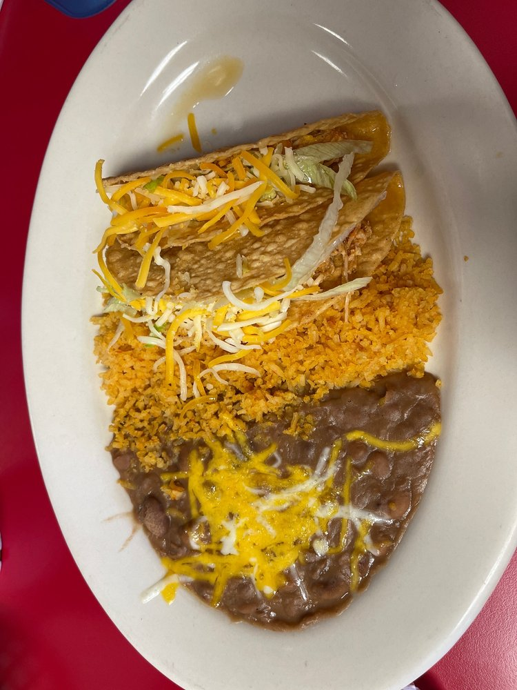 Las Palmas Restaurant: 73741 29 Palms Hwy, Twentynine Palms, CA