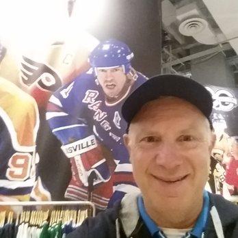 buy popular 7b0e4 8e762 NHL Concept Store - 195 Photos & 88 Reviews - Sports Wear ...