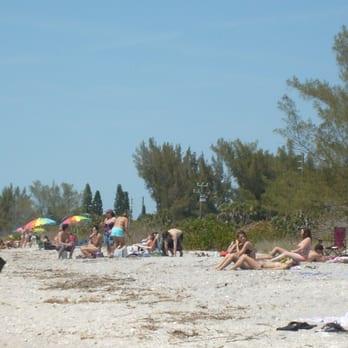 Photo Of Manasota Beach Venice Fl United States People Lounging On