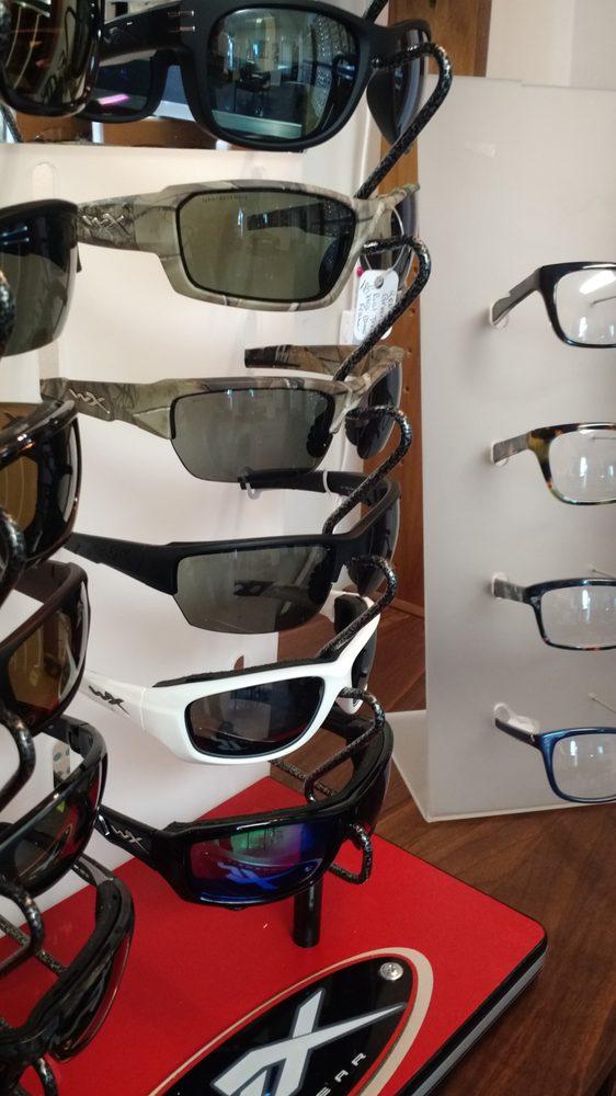 Elkton Eyecare: 204 W Spotswood Trl, Elkton, VA
