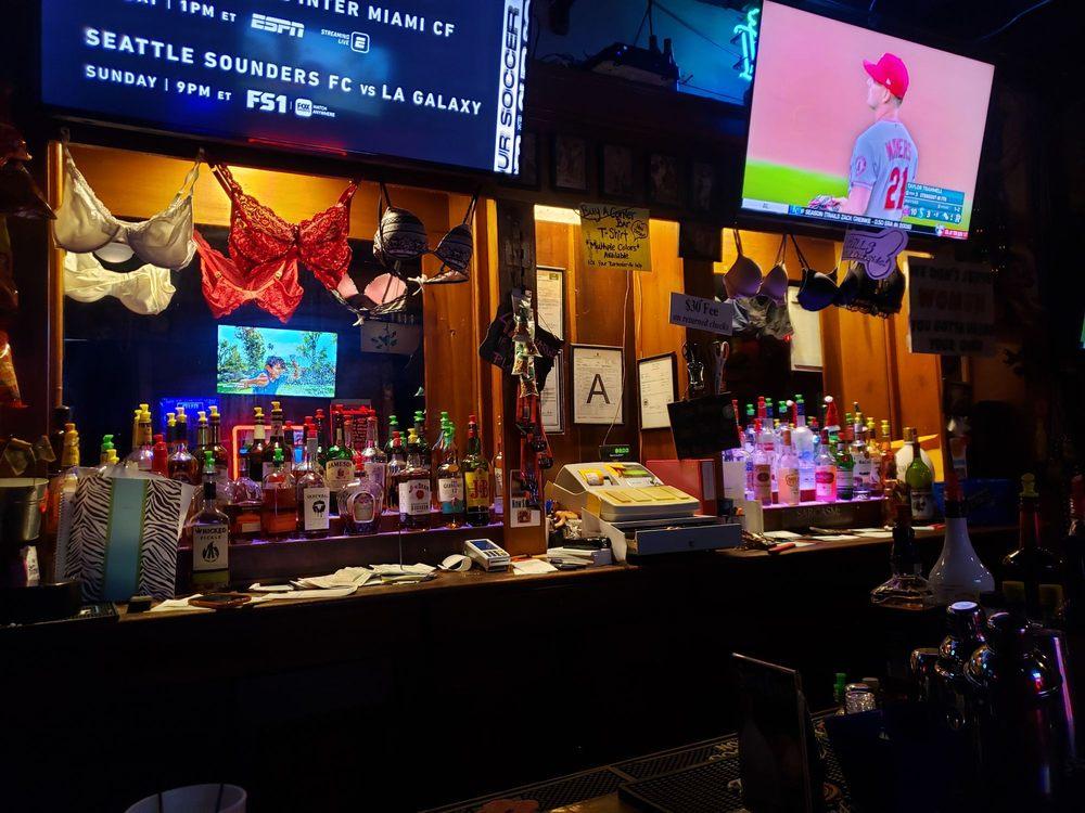Corner Bar: 200 State St, Natchez, MS