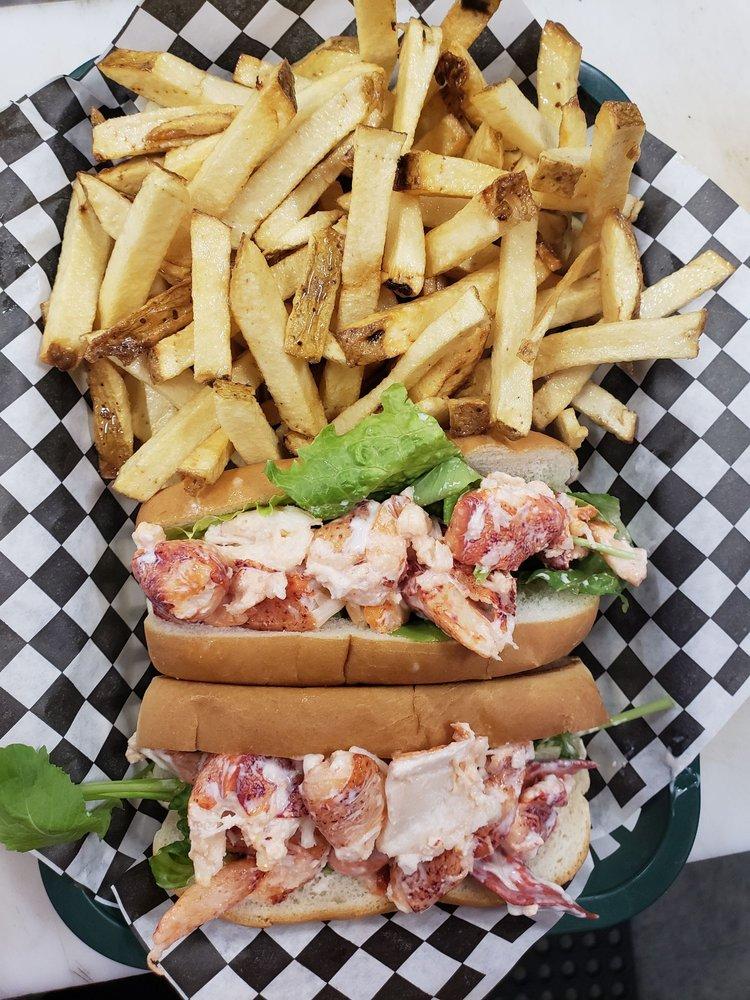 Annette's Country Skillet Diner: 12 Lakes Plaza Dr, Naples, ME