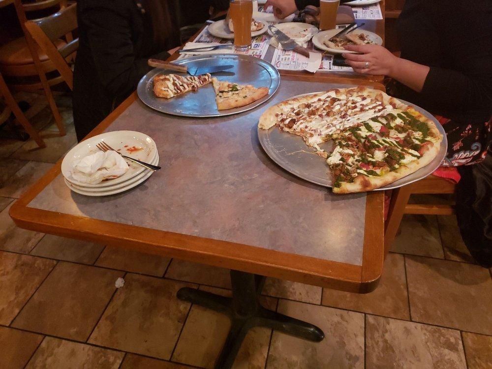 Pasquales Pizza & Restaurant: 135 Main St, Gardiner, NY
