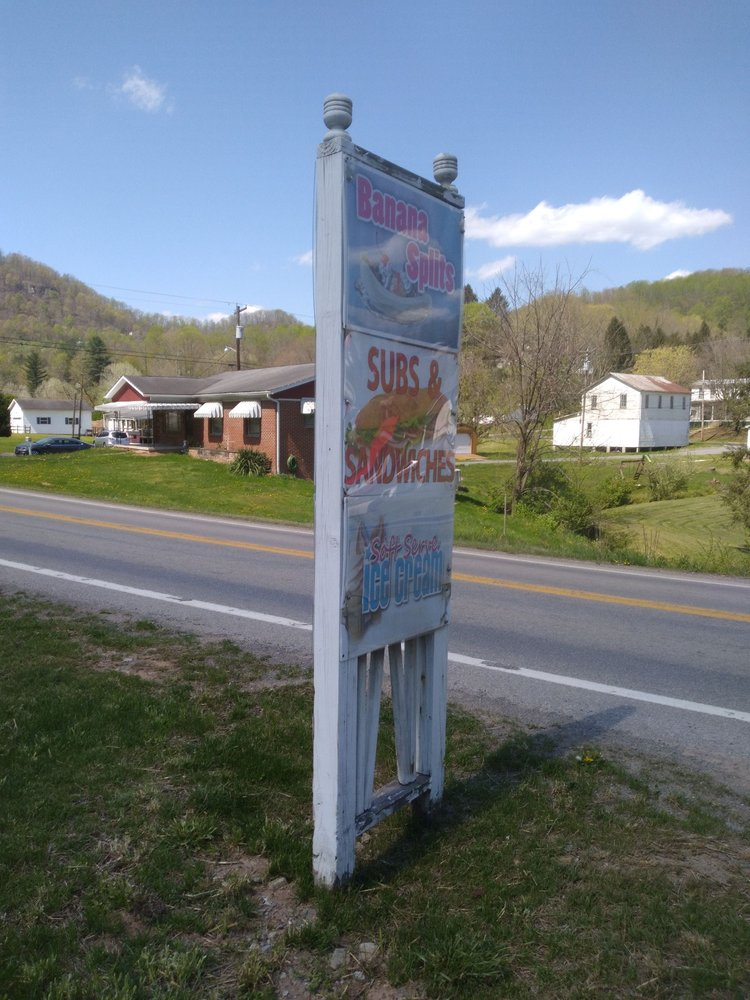 The Spot Restaurant & Dairy Bar: 610 Gauley Tpke, Flatwoods, WV