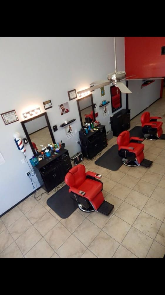 King Of Fadez Barbershop: 190 N Plaza St, Brawley, CA