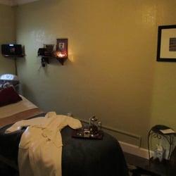 Helping Hands Massage & Aromatherapy - 25 Photos & 112 ...