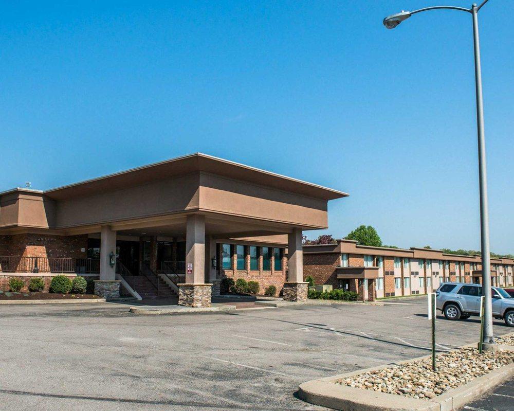 Comfort Inn & Suites: 180 Gamma Dr, Pittsburgh, PA