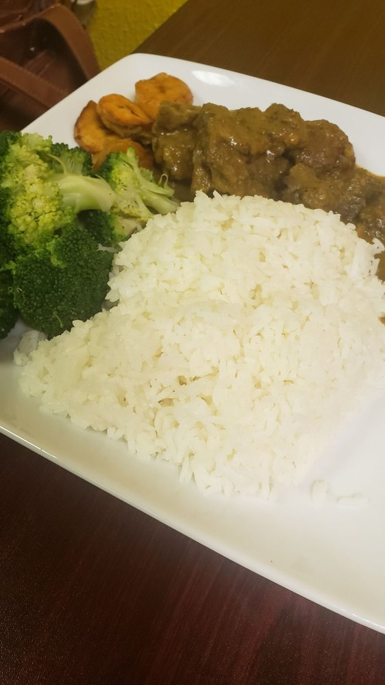 Straight Jamdown Island Cuisine: 429 E Patapsco Ave, Baltimore, MD
