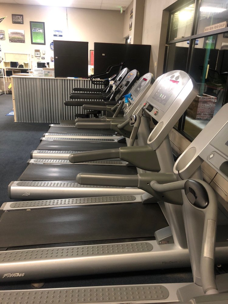Platinum fitness center: 11042 WA-525, Clinton, WA