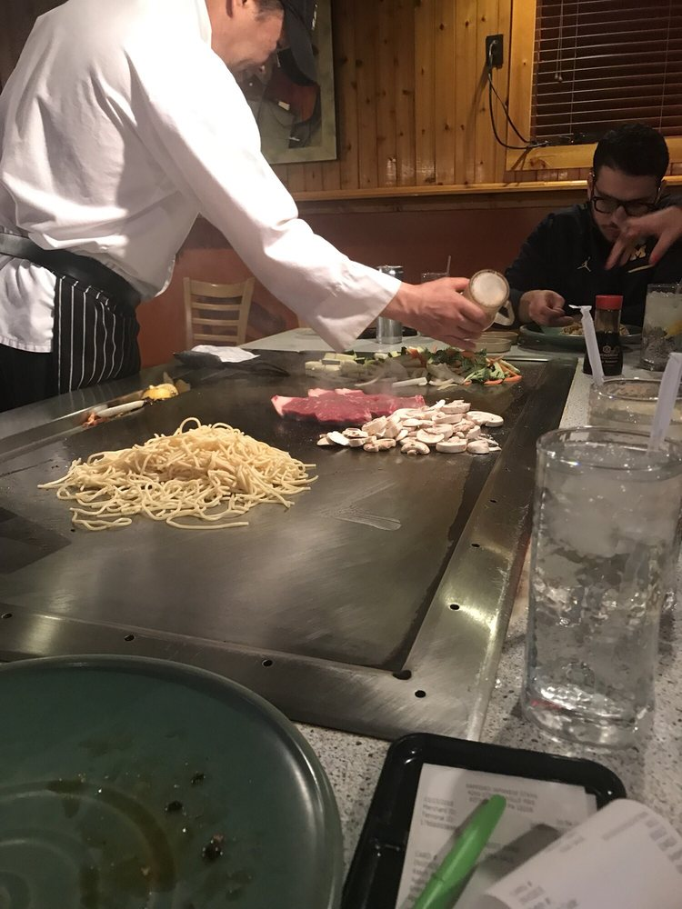 Sapporo Japanese Steakhouse: 4260 Steubenville Pike, Pittsburgh, PA