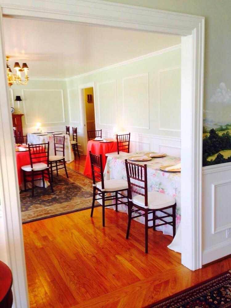 The Clark House: 1010 N Oak St, Livingston, TN