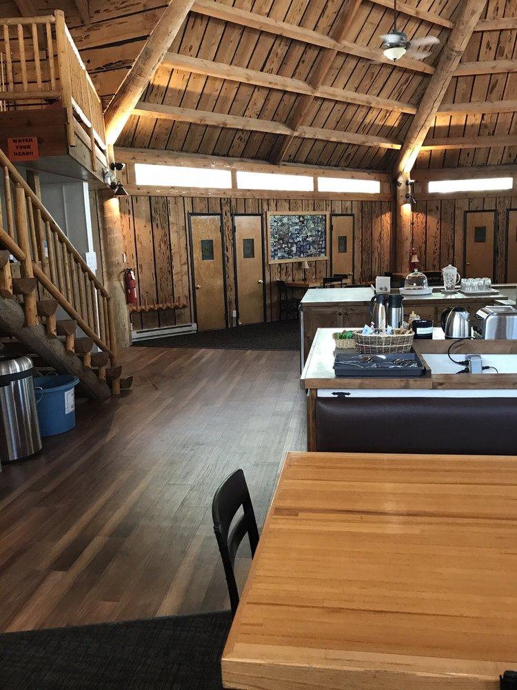 Teton Teepee Lodge: 440 W Alta Ski Hill Rd, Alta, WY