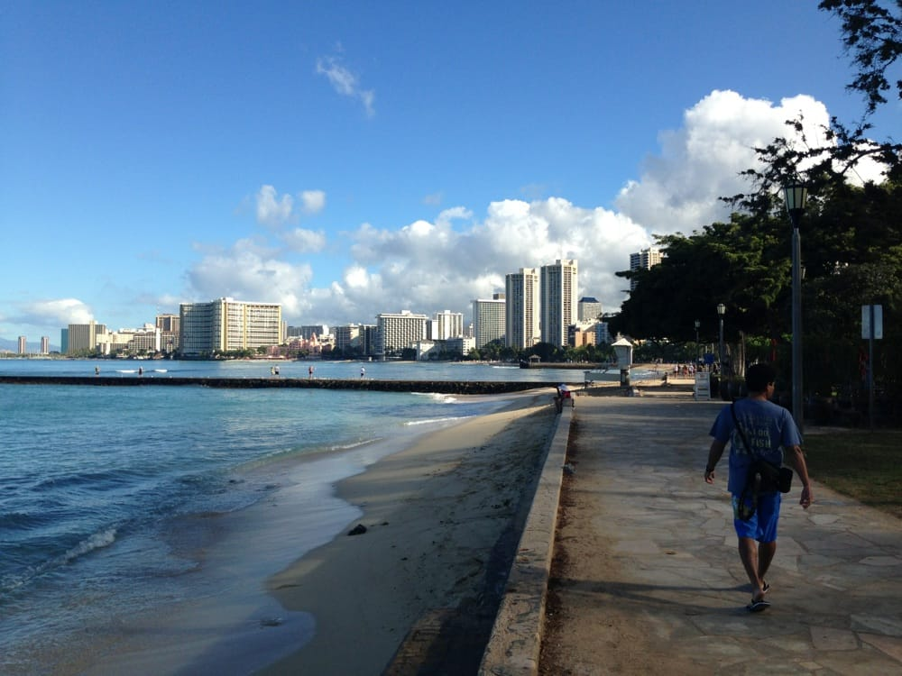 Queen S Surf Beach Honolulu Hi