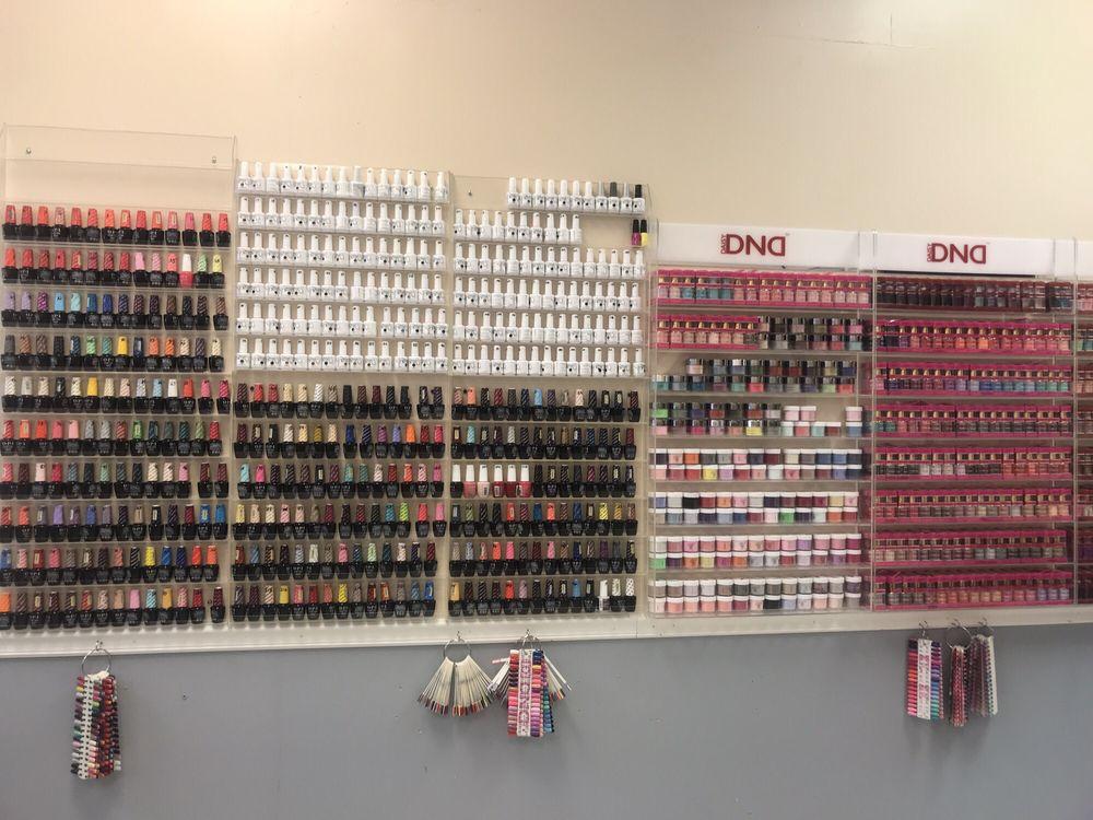 LA Nail Salon: 2349 Madison St, Clarksville, TN