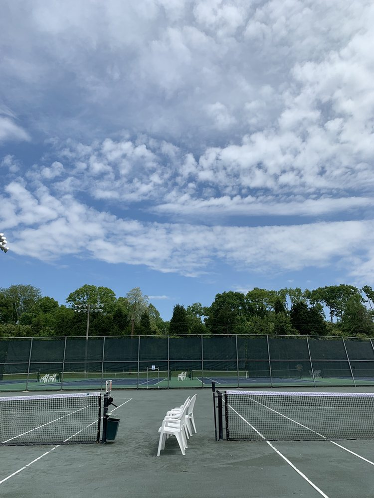 Lindner Tennis Center at Lunken: 4750 Playfield Ln, Cincinnati, OH