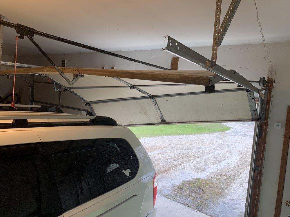 Garage Door Services: 2550 Preston Dr, Traverse City, MI