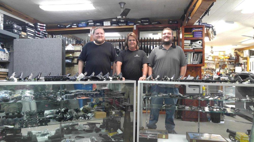 Jesse's Gun Shop: 2115 W 2nd Ave, Corsicana, TX