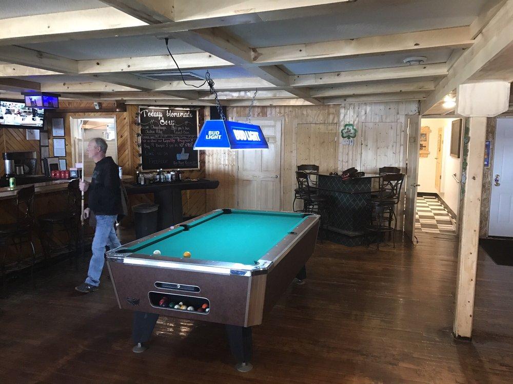 Elk Point Resort: N8535 618th St, Colfax, WI