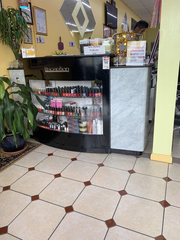 TT Nails: 100 Hampton Dr, Calera, AL