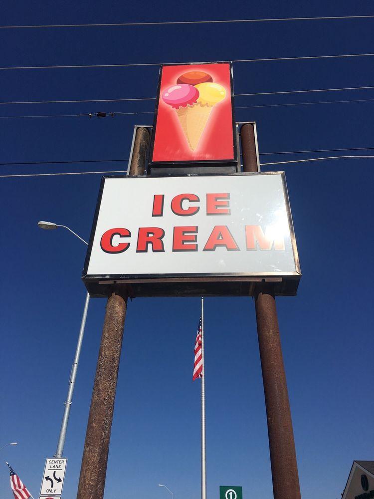 Ice Cream Shop: 341 W 3rd St, Chadron, NE