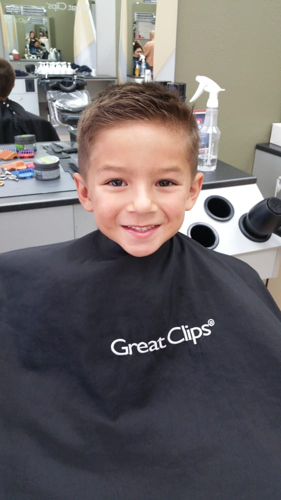 Great Clips 12 Photos 58 Reviews Hair Salons 211 Primrose Rd